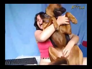 Amateur Webcam Lady And Dog 1 (part 2)